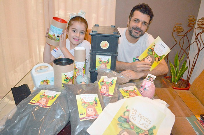 Paisajista Fagner Zanetti y su hija, Letícia